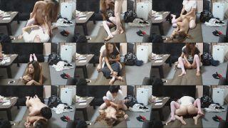 影片名称:小情侣卧室里面做爱 高清自拍 长发妹子超性感丝袜小腿