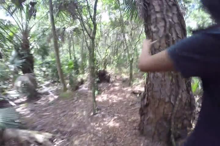 台湾医科大美眉凯伦南美洲和当地原住民体验丛林野战