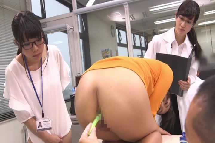"""""""肛门真的舒服吗?""""日本SOD女社员3人认真验证了这一结果……在人生第一次肛门开始疼插入39分后,让身体扭曲连续绝顶!性科学ーREPORT4"""