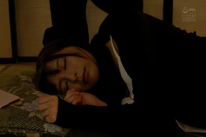 妻子在公司的酒会上睡着了。 希崎ジェシカ
