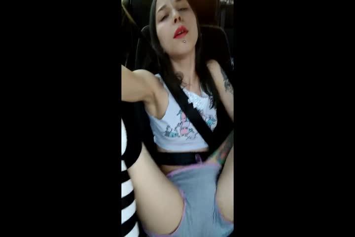 Cam Girl Ge Tokens Spammed To Make Her Cum Hard37