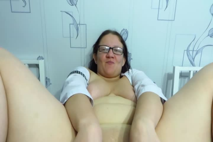 Brazen 39 enjoys rough sex Though this was her first time on video she was45