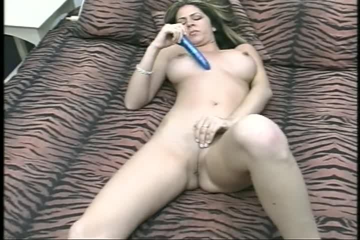 Busty Babe Siri Pornstar Punishes Peeping Tom In Hot 4 Way51