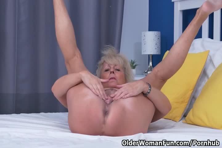 Busty Blonde Milf Julia Ann Puffs On Cigarette Nude In Bed47