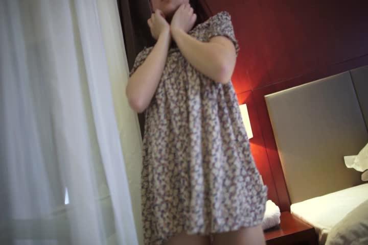美女穿长裙诱惑视频