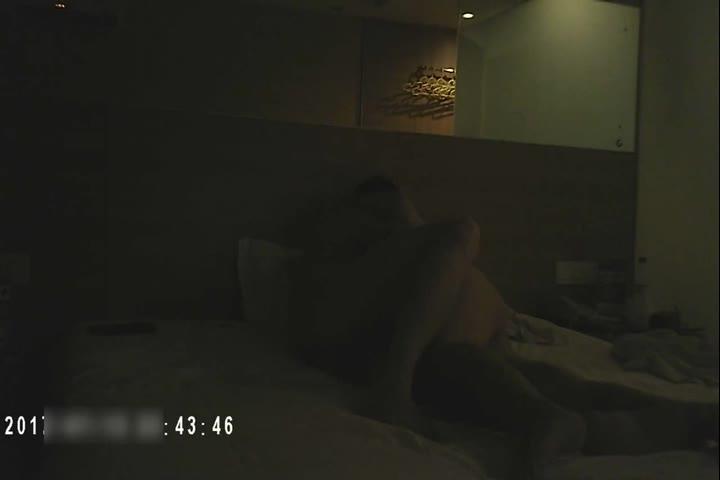 91大神QG微信撩妹约啪肥臀随和的CC姐女人味十足肏的大声淫叫很激情说猛一点好爽对白很淫荡
