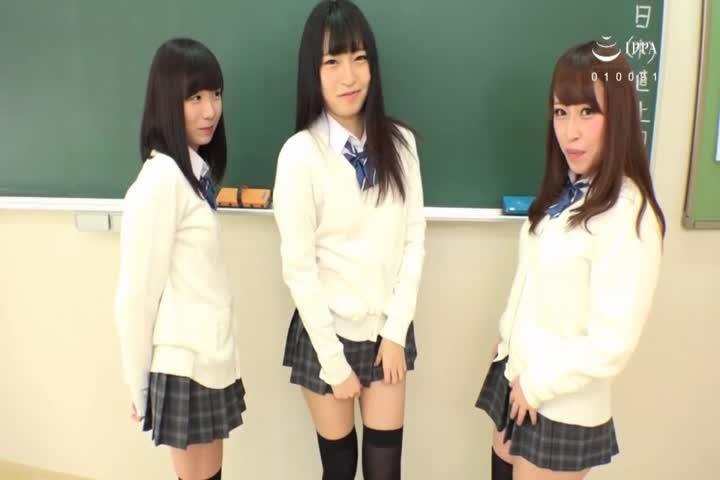 同班同学的尼海大腿看上去很好吃,而且稀稀拉拉的裙子里竟然是T背包!2一边听尼高T背部女学生的甜的叹息一边被包围了。-A